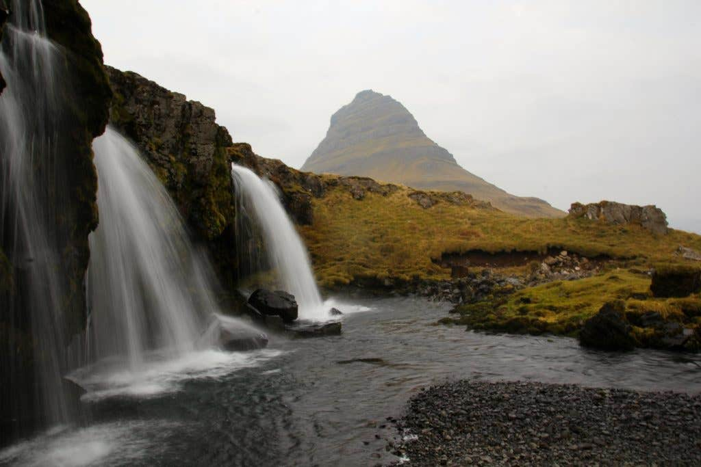 Kirkjufellsfoss-and-kirkjufell-Iceland-photo-Dave-Casey-small