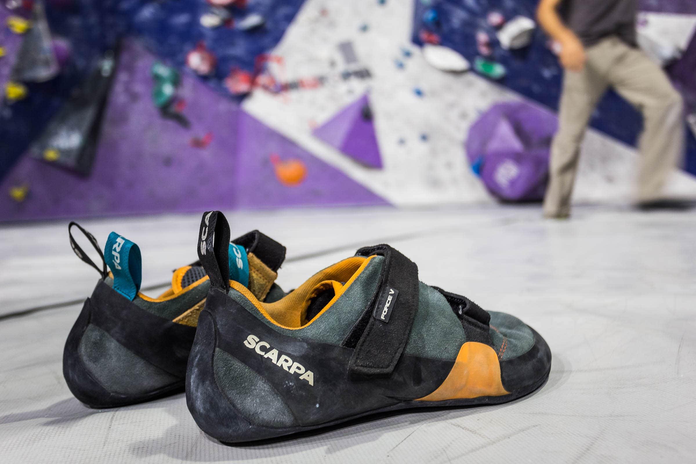SCARPA Womens Force V Wmn Climbing Shoe